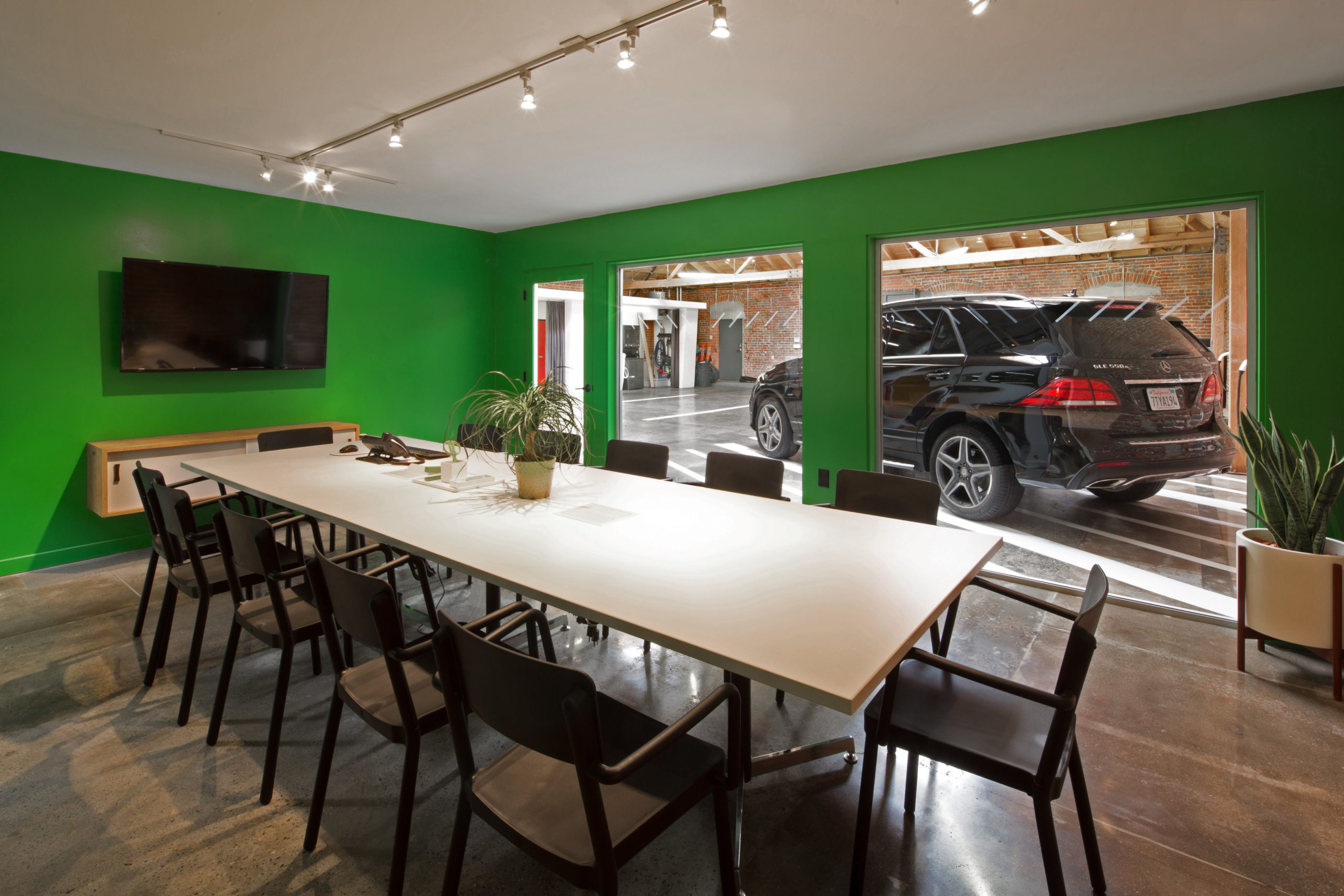 MGS Meeting Room Green Room Mercedes Benz