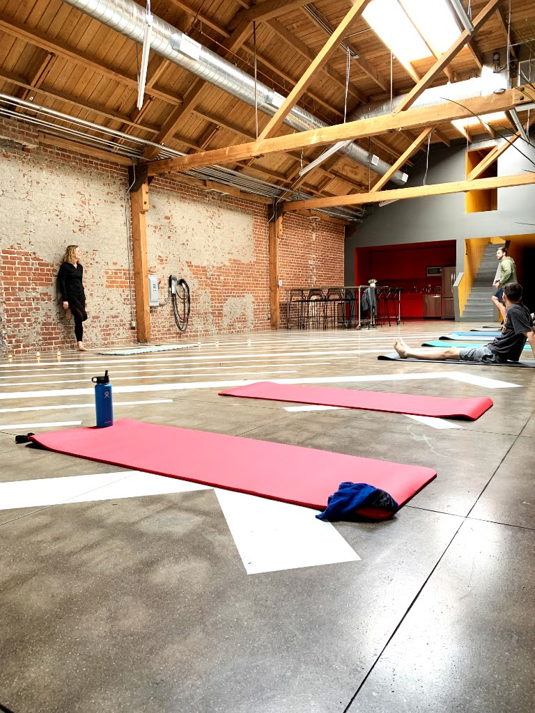 MGS Yoga Class Fitness with Yoga Mats